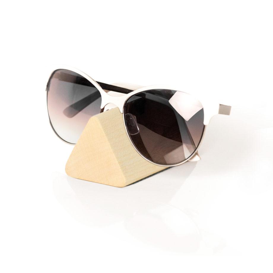 lumenqi-holz-design-brillenhalter-brilleneck-geschenk-ahorn