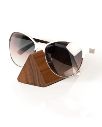lumenqi-holz-design-brillenhalter-brilleneck-geschenk-nuss